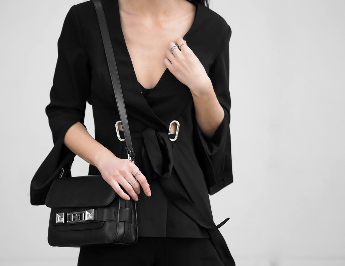 The best black blazers all black outfit fashion blogger
