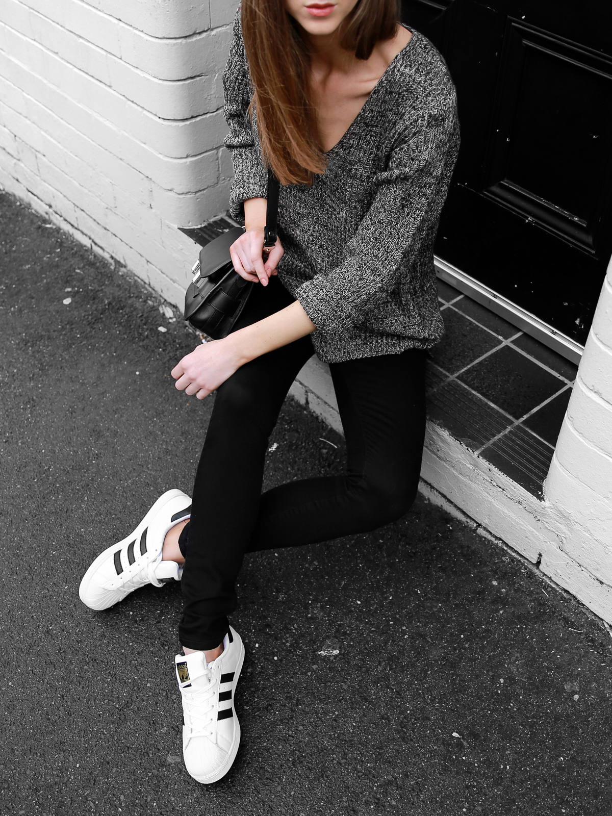 Adidas Superstar Sneakers Outfit Abrand Jeans Monochrome Blogger