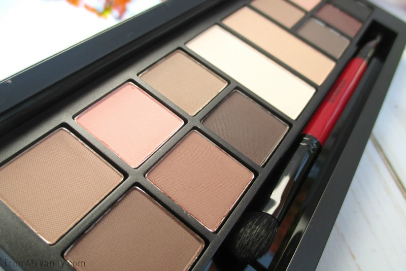 Close up Smashbox Photo Eyes palette