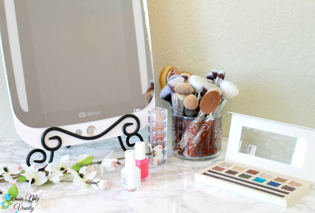 The HiMirror PLUS is the Ultimate Mother's Day Gift