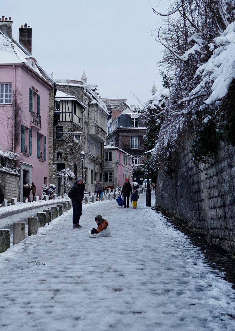 Improvised sledge in Montmartre