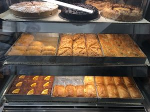 Pâtisserie baklavas, tartes chez Melenio, Oia