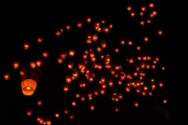 Pingxi lanterns on their way up