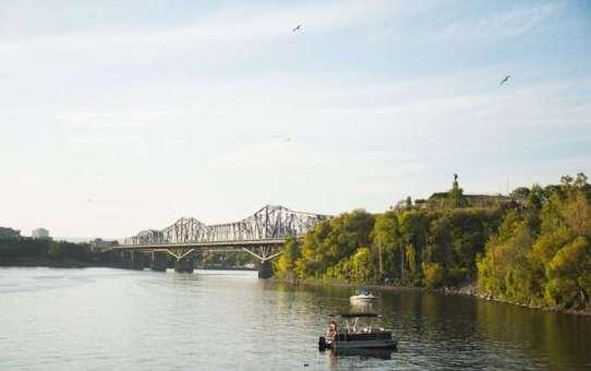 Beavertails and Giant Plants – Ottawa