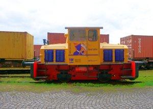 Loyd Coffee locomotive with advertising