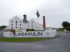 Lagavulin distillery (Photo by Elina Mäntylä)