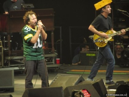 eddie-vedder-packers