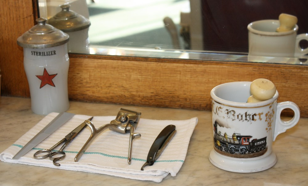 Council Grove Barber Shop (2/5)