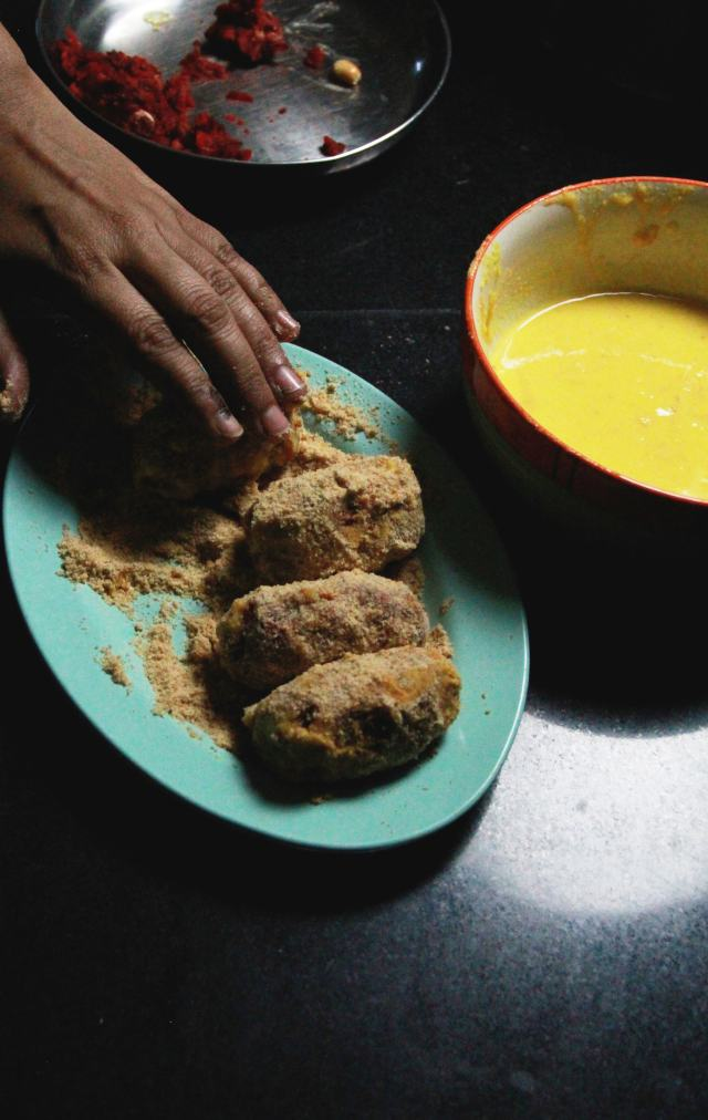 Vegetable Chops, A bengali delicacy, From the Corner Table, #fromthecornertable, from the corner table, fromthecornertable, food blog, travel tuck-in talk, recipe, bengali food, snack, indian cooking, regional cuisine, savoury, snack, indian street food, vegan, vegetarian, photo: Vaibhav Tanna