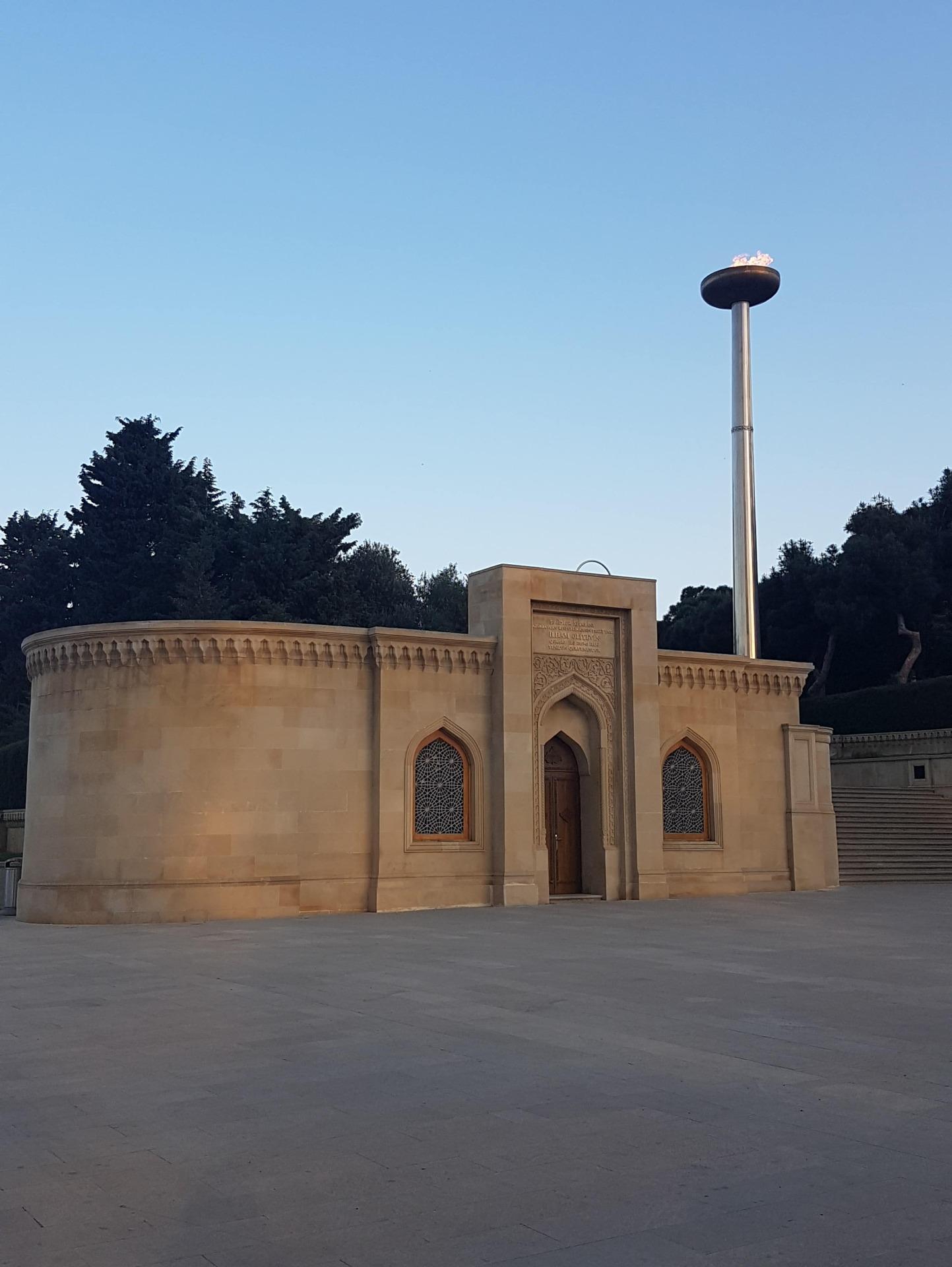 The Şahidlər Xiyabani is dedicated to the martyrs' of Azerbaijan.
