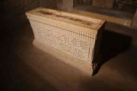 Inside the tomb of Seyid Yahya Bakuvi