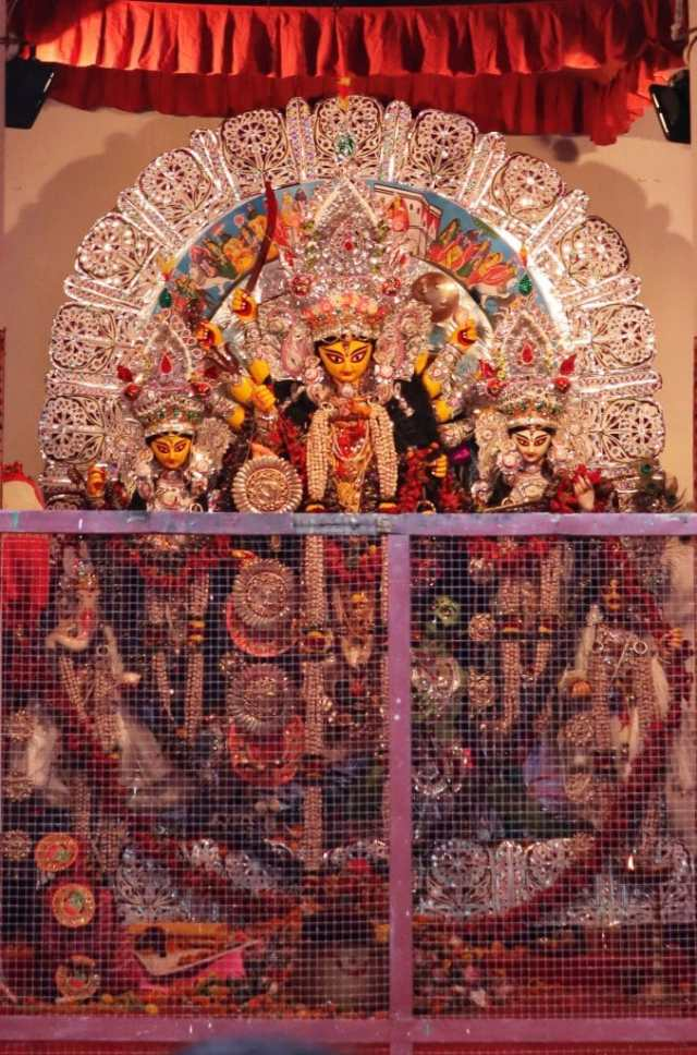 fromthecornertable, from the corner table, durga puja, bonedi bari puja, mallick bari, ranjit mallick, koel mallick