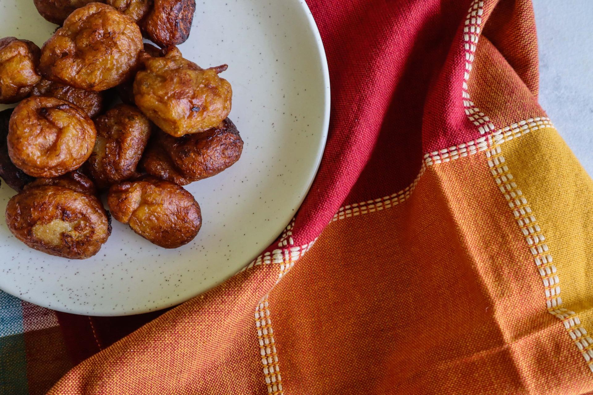 fromthecornertable, bananafritters, kola boda, bengali kola boda, overripe banana recipe