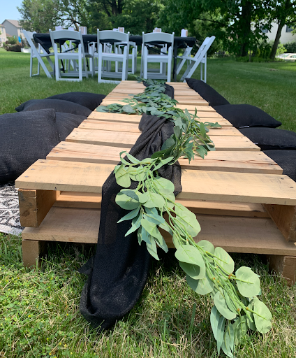 Greenery runner on a pallet picnic table