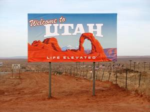 Utah_border_sign
