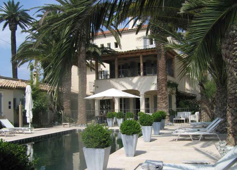 Pastis hotel, saint tropez, boutique hotel, côte d'azur, one of 16 beach hotels to discover in this post.