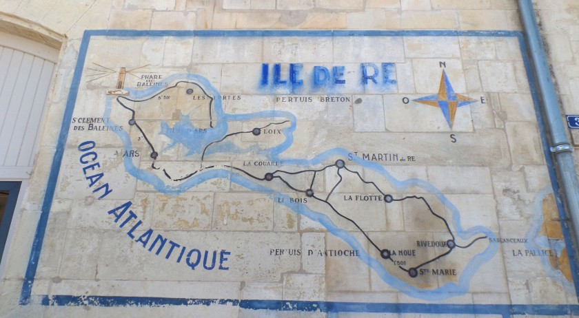 Ile de re map on wall