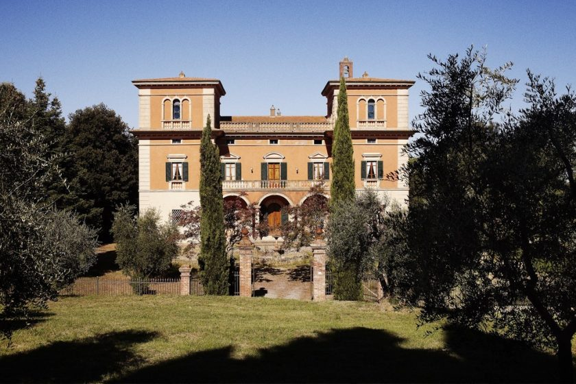 Villa Lena, Tuscany, Italy. Several flats and a villa to rent with animations in the summer and artists workshops.
