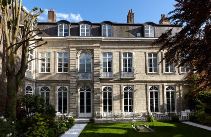 Clarance five star luxury hotel in Lille,  the beautiful exterior facade