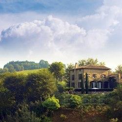 La Segreta, beautiful farmhouse and villa to rent in Umbria. The house dreams of perfect holidays are made of.