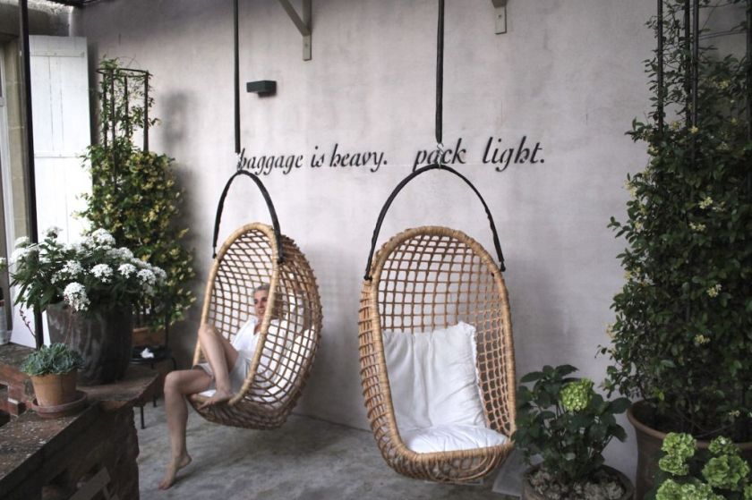 Camella Lloret a charming B&B in south France with an apartment for family holidays. Hanging chairs to relax.