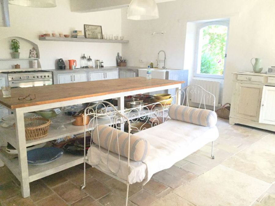 villa-rental-provence-goult-kitchen