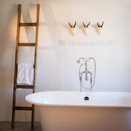 Hotel Kirchenwirt in Austria. 17 newly redecorated bedrooms. ONe of the stylish and affordable ski boutique hotels that you can discover in this post. Click to read more
