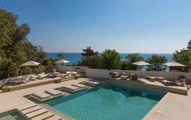 Misincu, a new beach hotel in Corsica. Discover the first photos in this blog post.