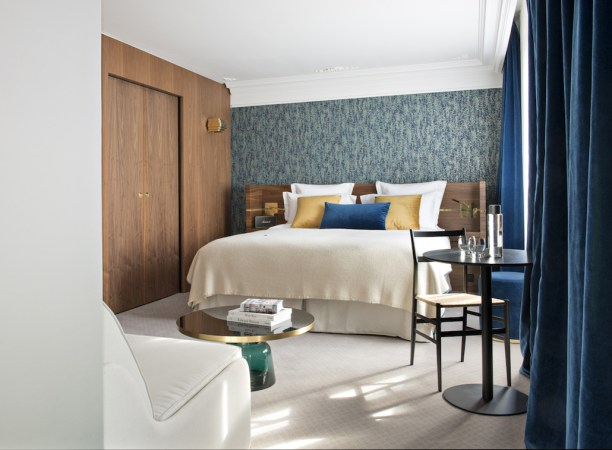 three new paris hotels with heated pool maison breguet parister and laz hotel. Black Bedroom Furniture Sets. Home Design Ideas