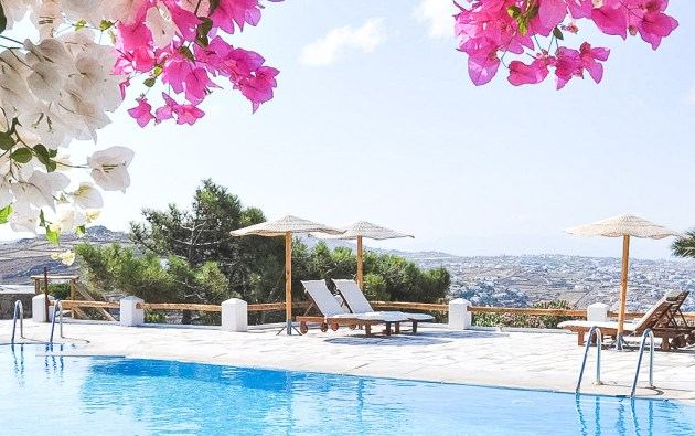 Agnandi, one of the villa rentals with pool in Greece that you can discover in this post.