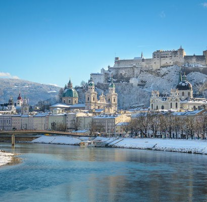 I had an interesting request from a reader recently who wants to spend Christmas in Salzburg with her family of 18. Of course many are attracted by the Salzburg Christmas market. I shared a few hotels and places to rent and thought this could be of use to you.