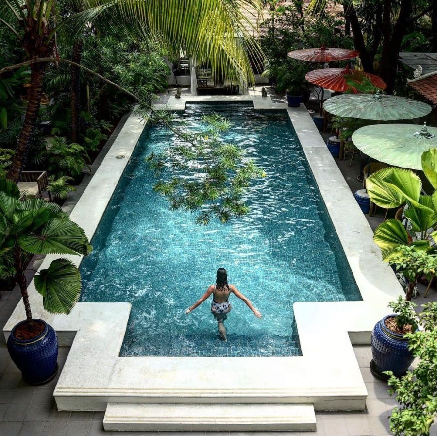 Venturing away from Europe today with this list of best villas or hotels with pools that my fellow travel bloggers friends stayed at.  The result is a collection of unique hotels with swimming pools from Asia to Italy via Zambia.  Enjoy!