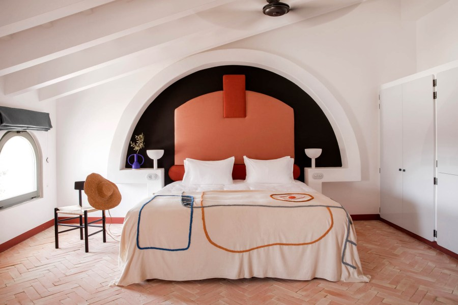 Menorca Experimental, one of the new hotels with swimming pool in Menorca for chic family holidays. Discover why this is one of the best new Menorca hotels.