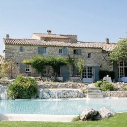 The best holidays in Provence tips by a French stylish traveller. Hotels, restaurants, what to do in Provence. Plus which villages are worth visiting.