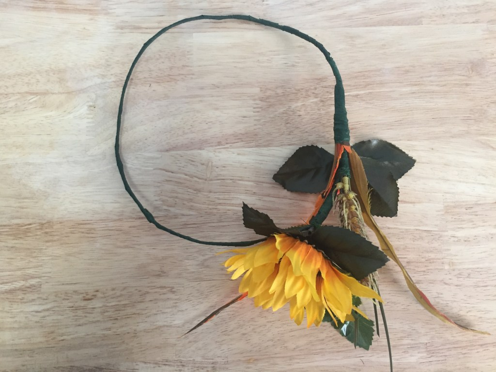 How to make a fall flower crown | DIY fall flower crown | DIY flower crown | Dollar store flower crown | Dollar store DIY | dollar tree DIY | DIY | fall flowers |