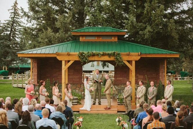 Outdoor Wedding Ceremony Saratoga Inn Wyoming