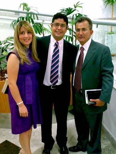 Em visita à igreja o jovem casal-amigo Mariléia-Kenner Cazetto (Aracruz-ES) e pastor Mesquita