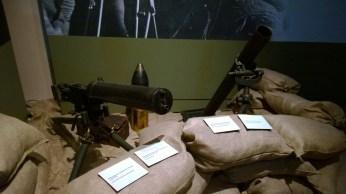 Mitragliatrice Fiat Revelli e lanciabombe Stokes