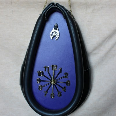 buggy collar clock
