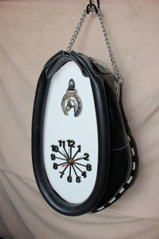 draft collar clock