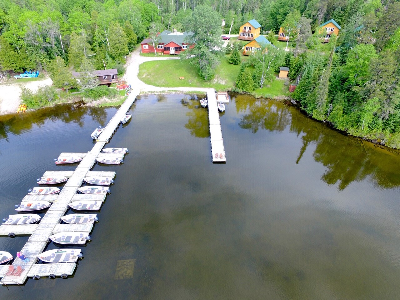 Ontario Fishing Lodge For Sale