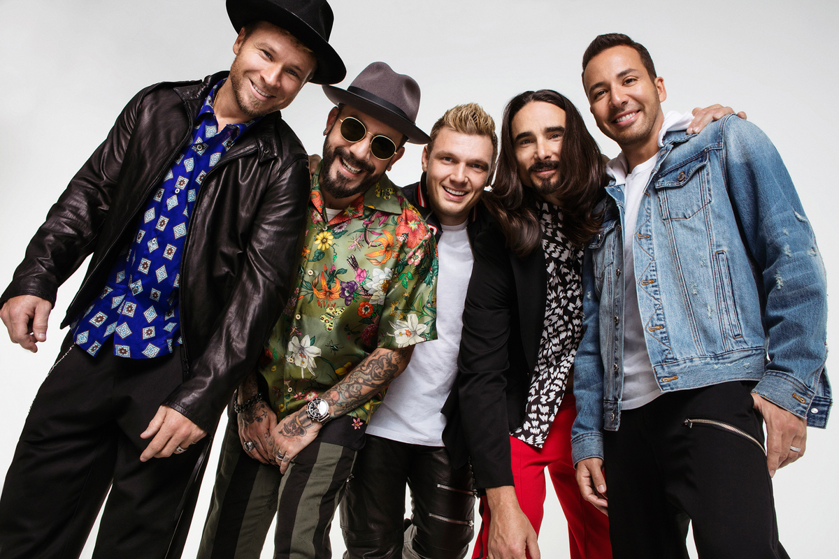 Backstreet Boys Featured at The Merry Mix Show