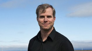 Andy Weir: 'The Martian' Writer's Internet Success Story - Front Row  Features