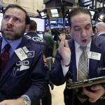 U.S. Stock Indexes Close Slightly Lower; Oil Prices Slide