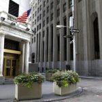 U.S. Stocks Turn Lower On Wall Street As Automakers Sink