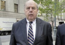 """FILE - In this April 29, 20111, file photo, attorney John Dowd walks in New York. Dowd, President Donald Trump's lead lawyer in the Russia investigation has left the legal team, is confirming his decision in an email to The Associated Press. Dowd says he """"loves the president"""" and wishes him well. (AP Photo/Richard Drew, File)"""