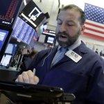 Late Skid Leaves U.S. Stocks Mostly Lower; Apple Climbs