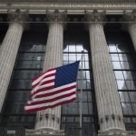 U.S. Stocks Wobble; Tech And Retailers Rise But Banks Fall