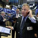 Industrial And Consumer Stocks Lead Rebound In U.S. Indexes