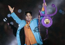 FILE - In this Feb. 4, 2007 file photo, Prince performs during halftime of the Super Bowl XLI football game in Miami. Minnesota court records show a wrongful death lawsuit filed by Prince's family members has been quietly dismissed in recent months against all defendants. Prince died of an accidental fentanyl overdose on April 21, 2016. (AP Photo/Chris O'Meara, File)